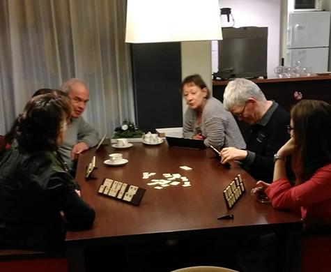 Tijdens Buurtkoffie ontmoeten bewoners uit de gemeente Epe elkaar. Onder het genot van een kop koffie of thee is er tijd voor een gesprek of activiteit.