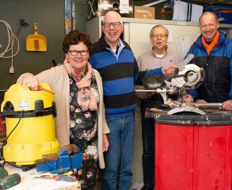 In Nederland gooien we ontzettend veel onterecht weg. Duurzaamheid begint bij jezelf! Repair Café Epe, Emst, Oene en Vaassen van Koppel-Swoe repareert graag gratis voor je!