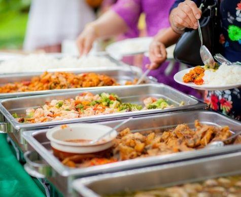 Samen eten, andere mensen ontmoeten, (bij)kletsen, gezelligheid en een heerlijk buffet. Kom gezellig mee eten bij één van de Samen eten locaties van Koppel-Swoe in de gemeente Epe.