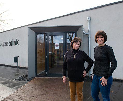 Iedere maand wordt in Emst een buffet in Hezebrink georganiseerd voor inwoners van Emst. Een gelegenheid om bij te kletsen en nieuwe mensen te ontmoeten.