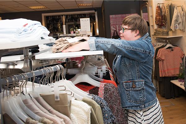 Prokkelen in Epe: Muriël prokkelt bij Yoi Fashion